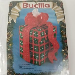 New Bucilla Plastic Canvas Tissue Box Cover